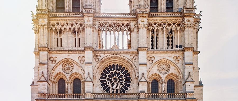 """巴黎圣母院大火后,朋友圈和头条网友""""打""""起来了"""