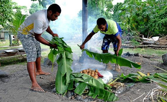 cooking-lovo-in-fiji-4.jpg