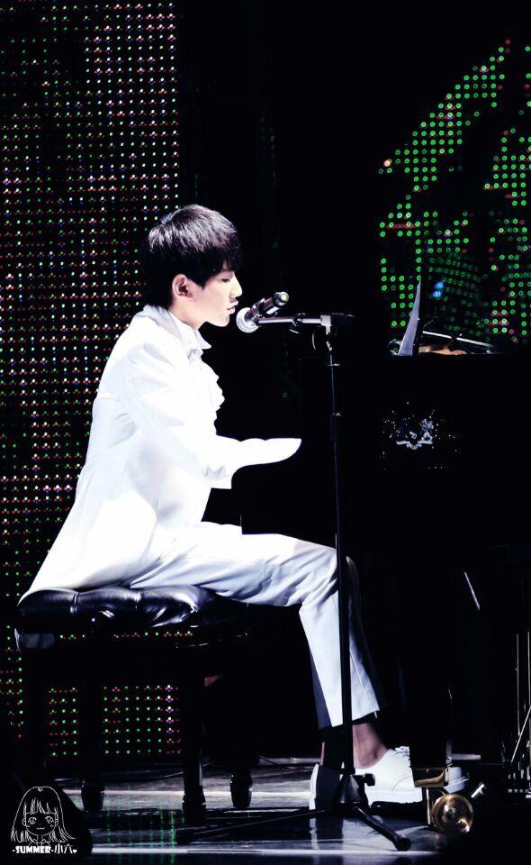 原创自弹自唱《因为遇见你》,钢琴王子初试作曲表白粉丝,宠溺爆棚.
