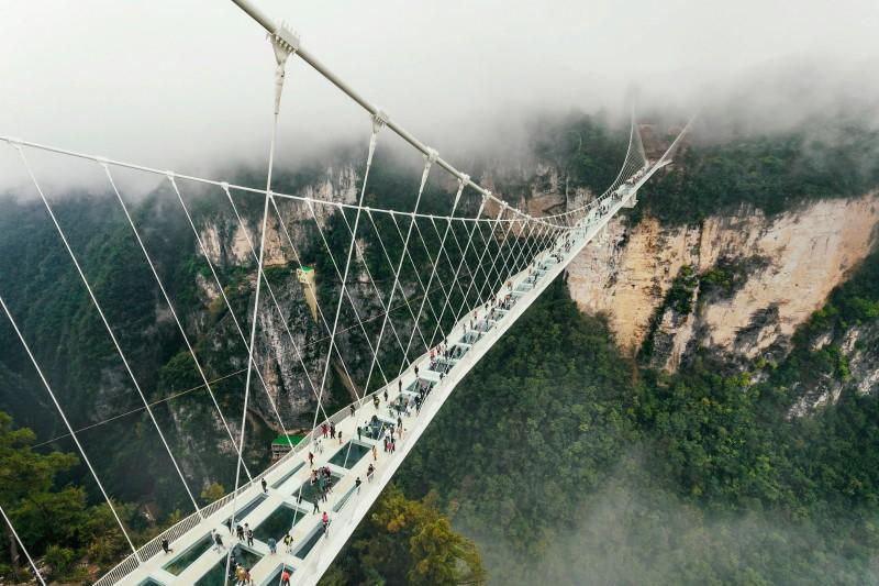 玻璃桥.jpg
