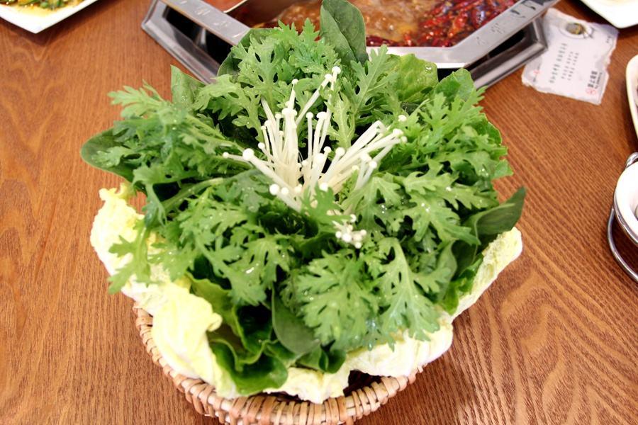 满园春色(蔬菜拼盘).JPG