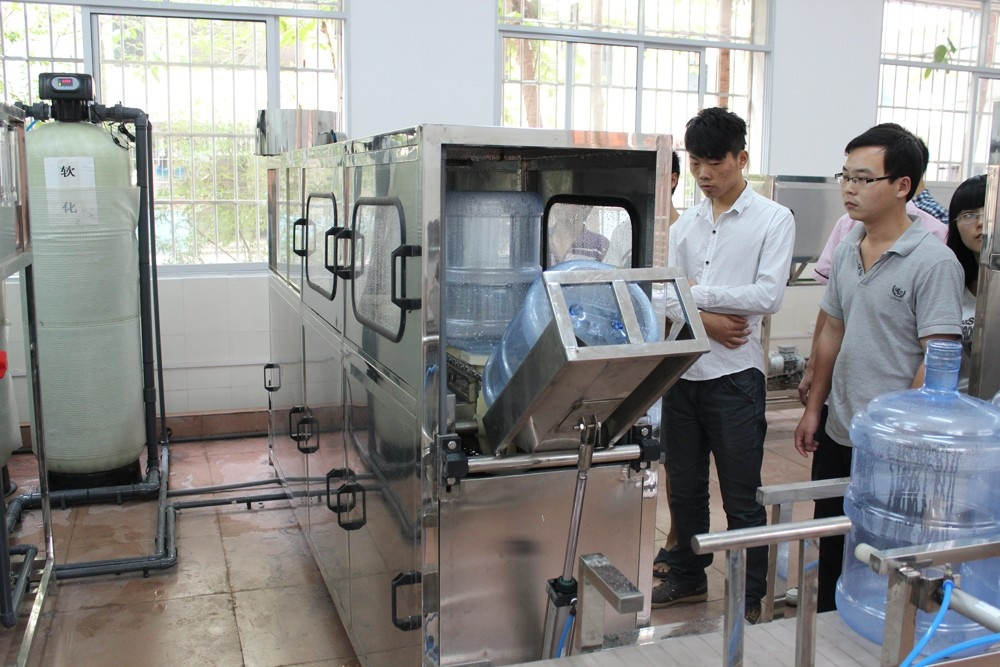校内纯净水生产实训室1.JPG
