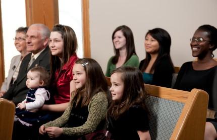 Children-sitting-in-church.jpg