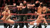 """""""黑羊""""布朗·斯图曼强势入侵双打上绳赛!《WWE RAW 2018.03.13》"""