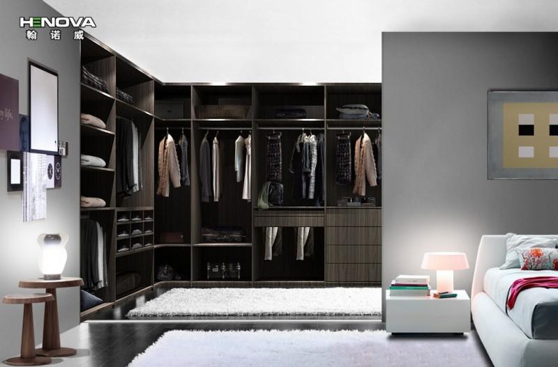 2,年轻夫妇衣柜内部设计