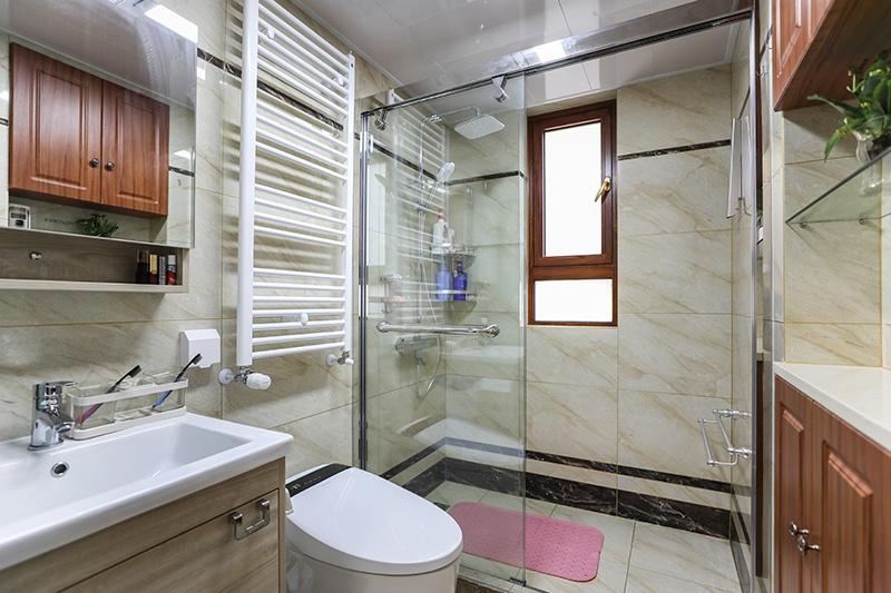 瓷砖修补卫生间
