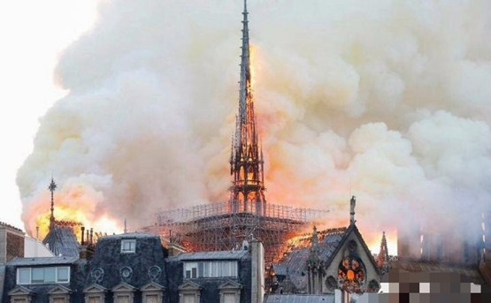 周得卿:巴黎圣母院大火雄起,黄金反跌入谷底,后市金价还能涨吗