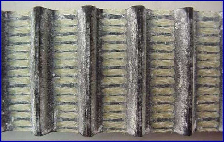 图17温度过高导致橡胶开裂.png