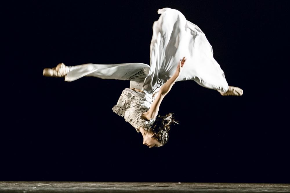 """051 第十届中国舞蹈""""荷花奖""""当代舞、现代舞评奖 摄影@舞蹈中国-刘海栋.jpg"""