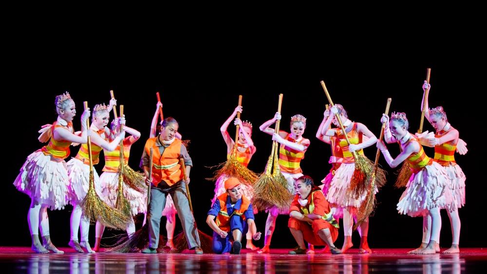 """127 第十届中国舞蹈""""荷花奖""""当代舞、现代舞评奖 摄影@舞蹈中国-刘海栋.jpg"""