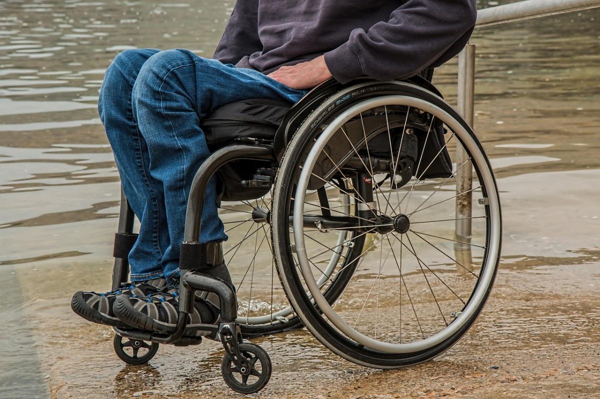 wheelchair-1595794_1280.jpg