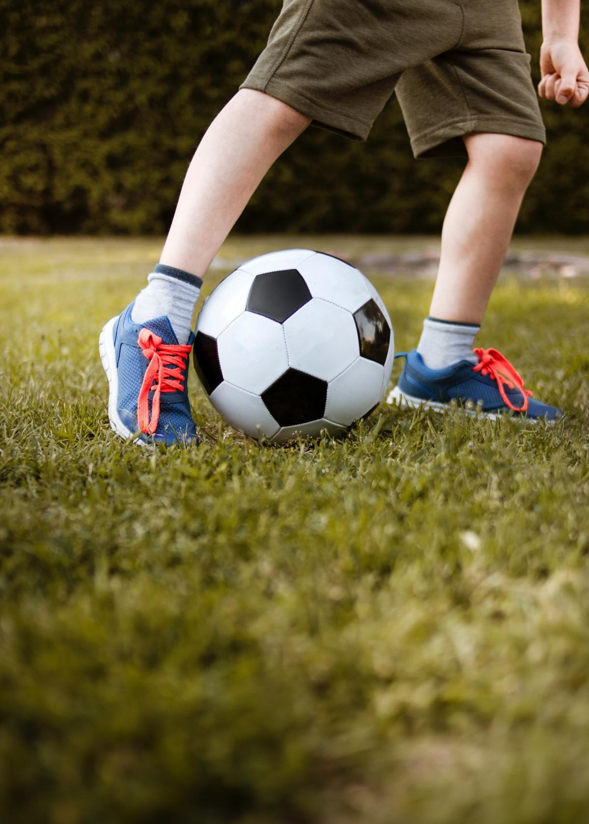 active-ball-blur-background-3074920.jpg