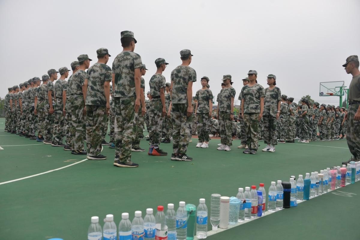 1.站軍姿3.jpg