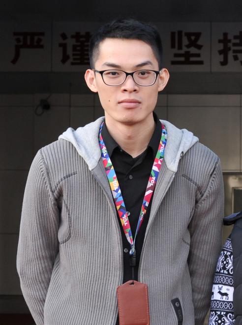 杨威.png