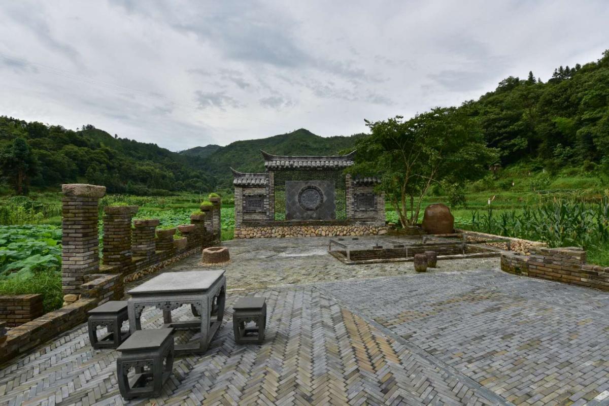 """亮化工程扮靓""""龙舟古镇船寮""""城镇夜景"""