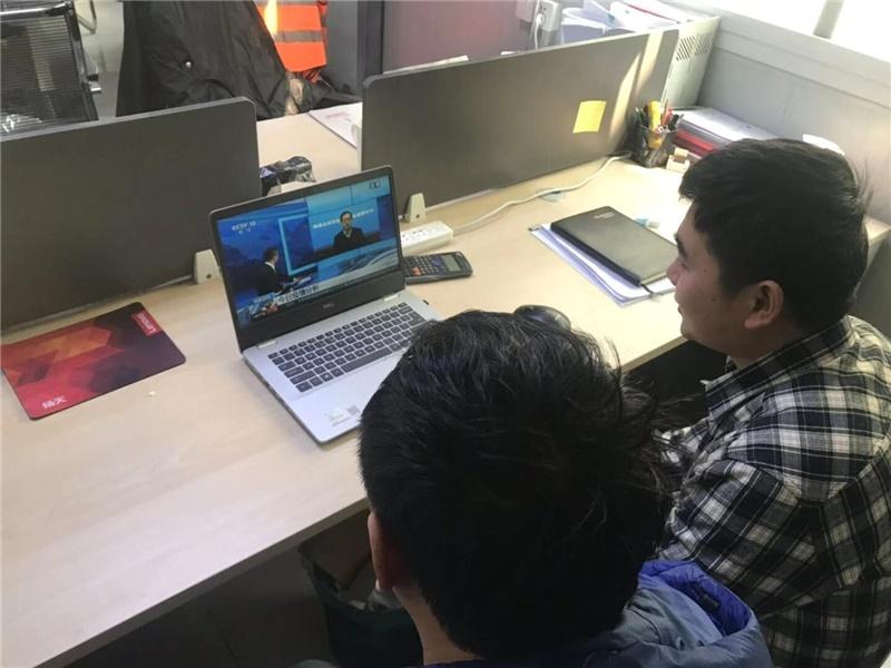 苏州地铁6号线1标项目部组织留守员工观看疫情防护宣传视频.jpg