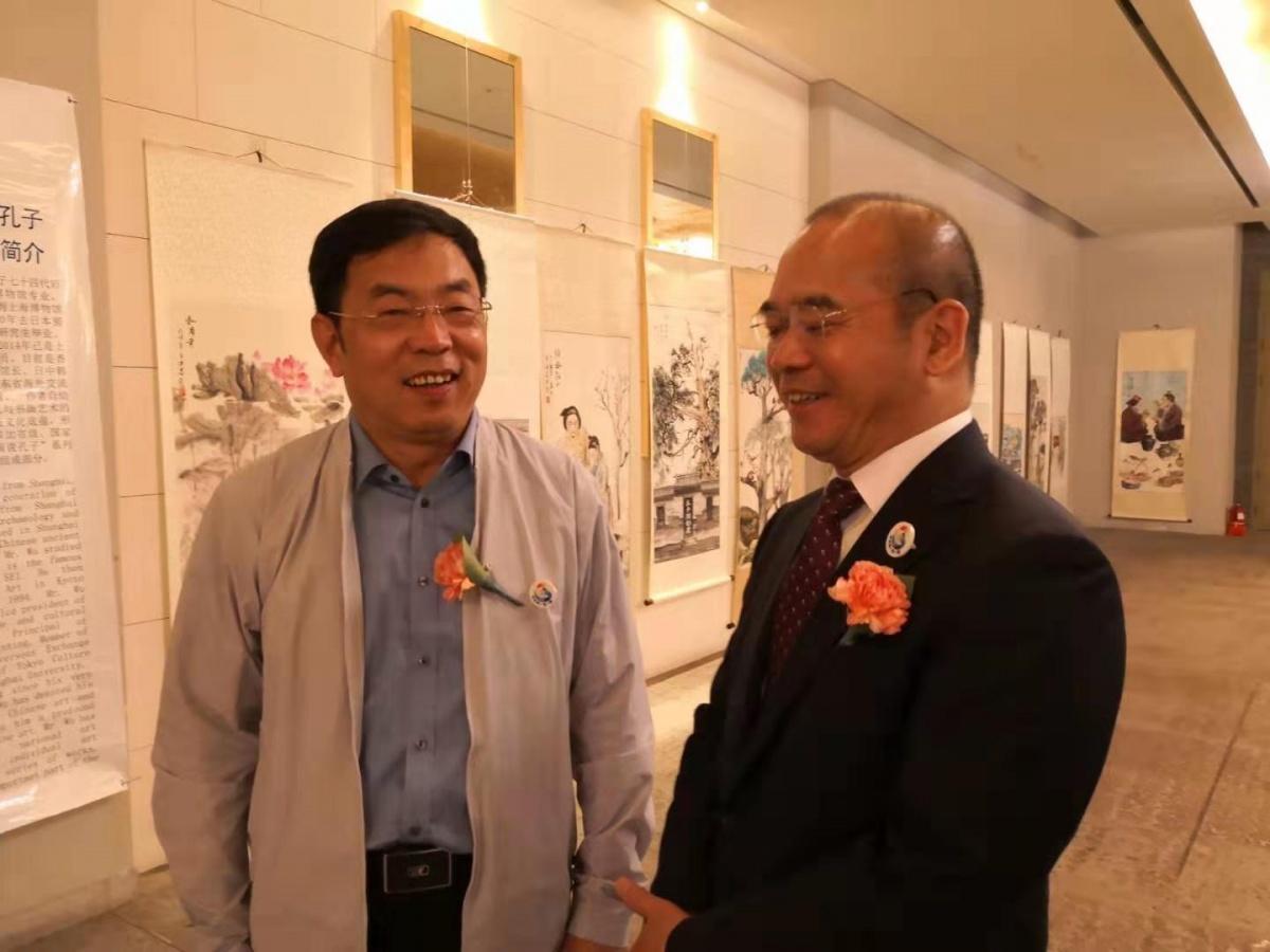 与中国驻济州岛总领事交流沟通.jpg