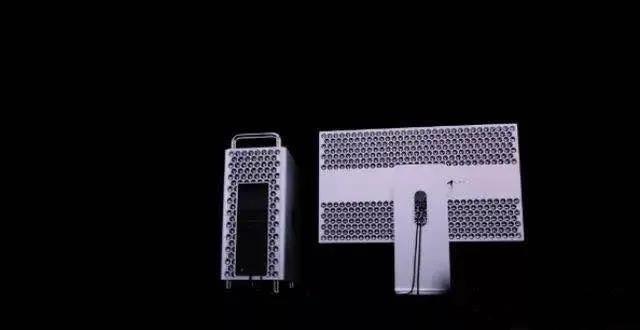 苹果发布了号称史上最强的台式办公电脑,但外观设计真是分分钟丑出天际!-热点新加坡