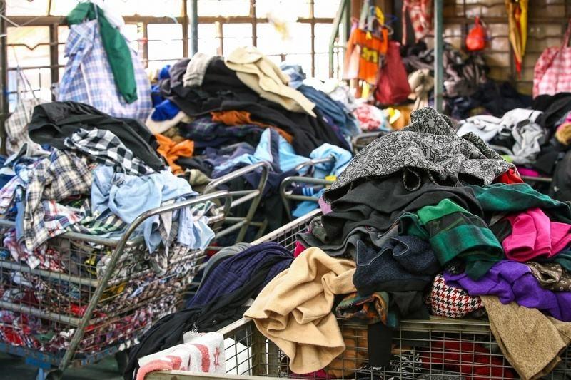 纺织垃圾衣服.jpg