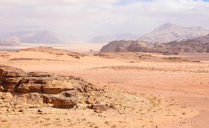 瓦地伦沙漠.jpg