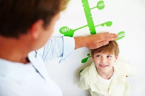 九盛棋牌的家长们注意啦!儿童标准身高对照,你家孩子达标吗?