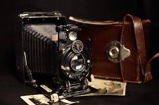 camera-711025__340.jpg