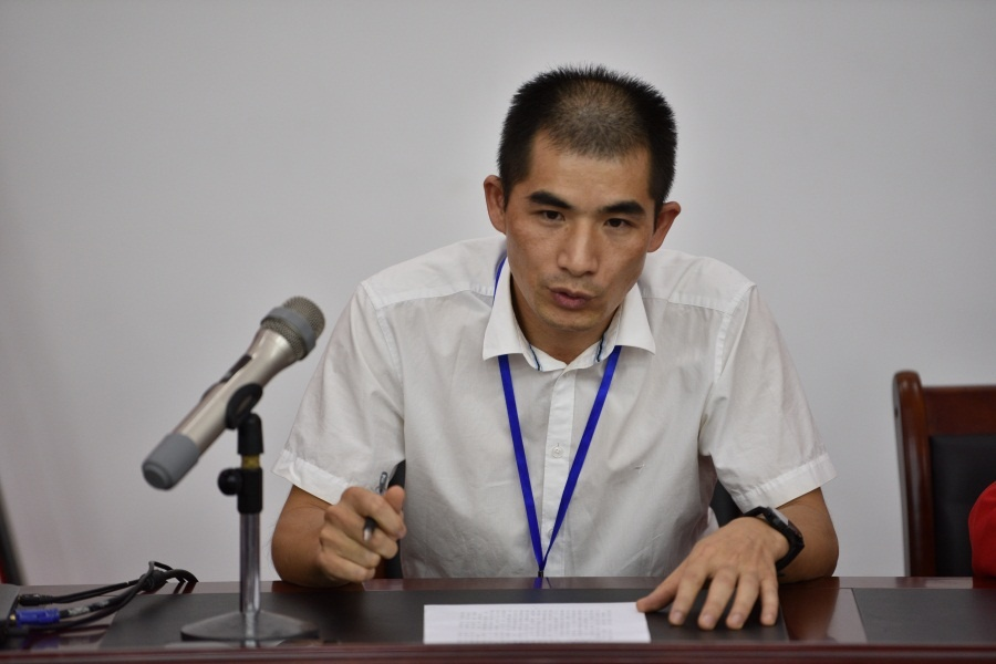 5 魏作文老师作19级班级心理委员动员讲话.JPG