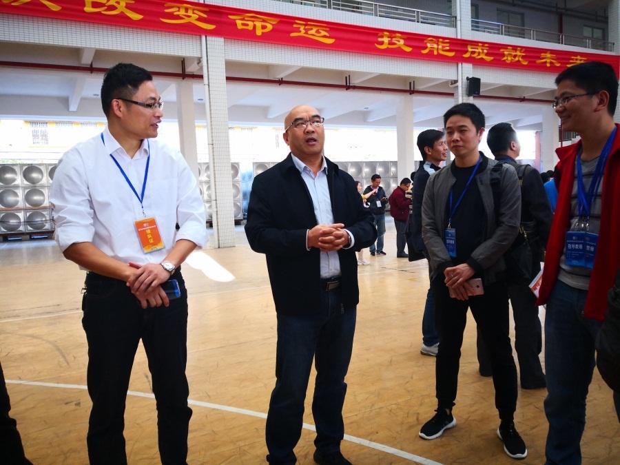 岳永胜院长在开幕式现场给参赛选手、指导老师加油鼓劲1.jpg