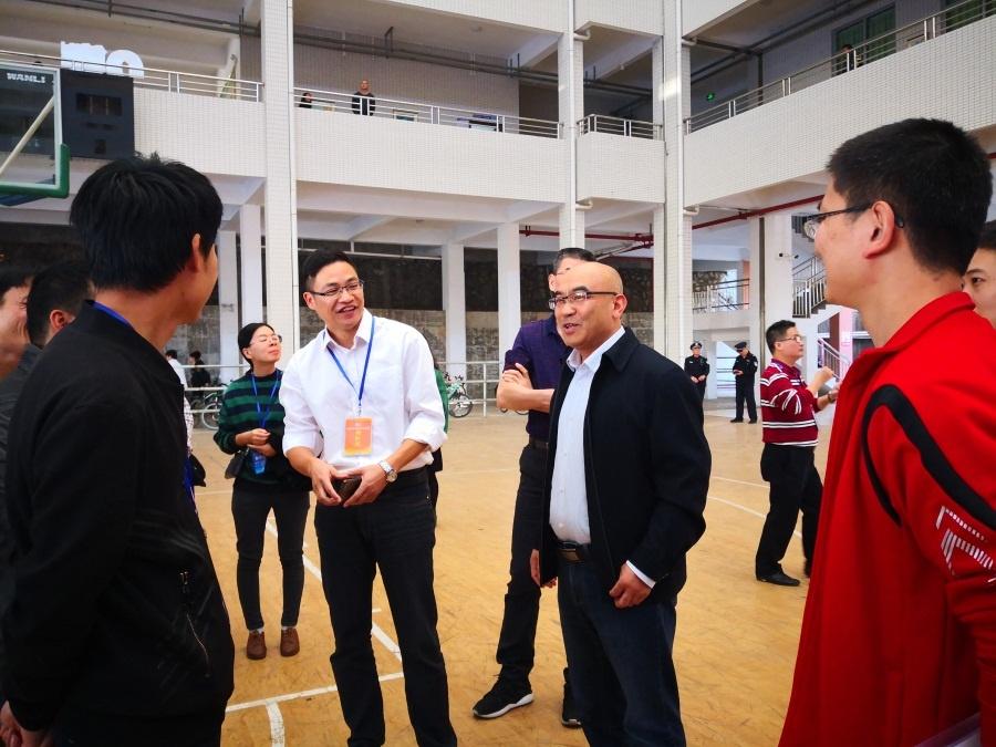 岳永胜院长在开幕式现场给参赛选手、指导老师加油鼓劲2.jpg