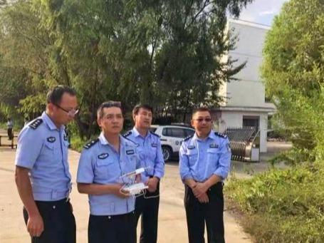 青海高速交警首次启用无人机巡逻